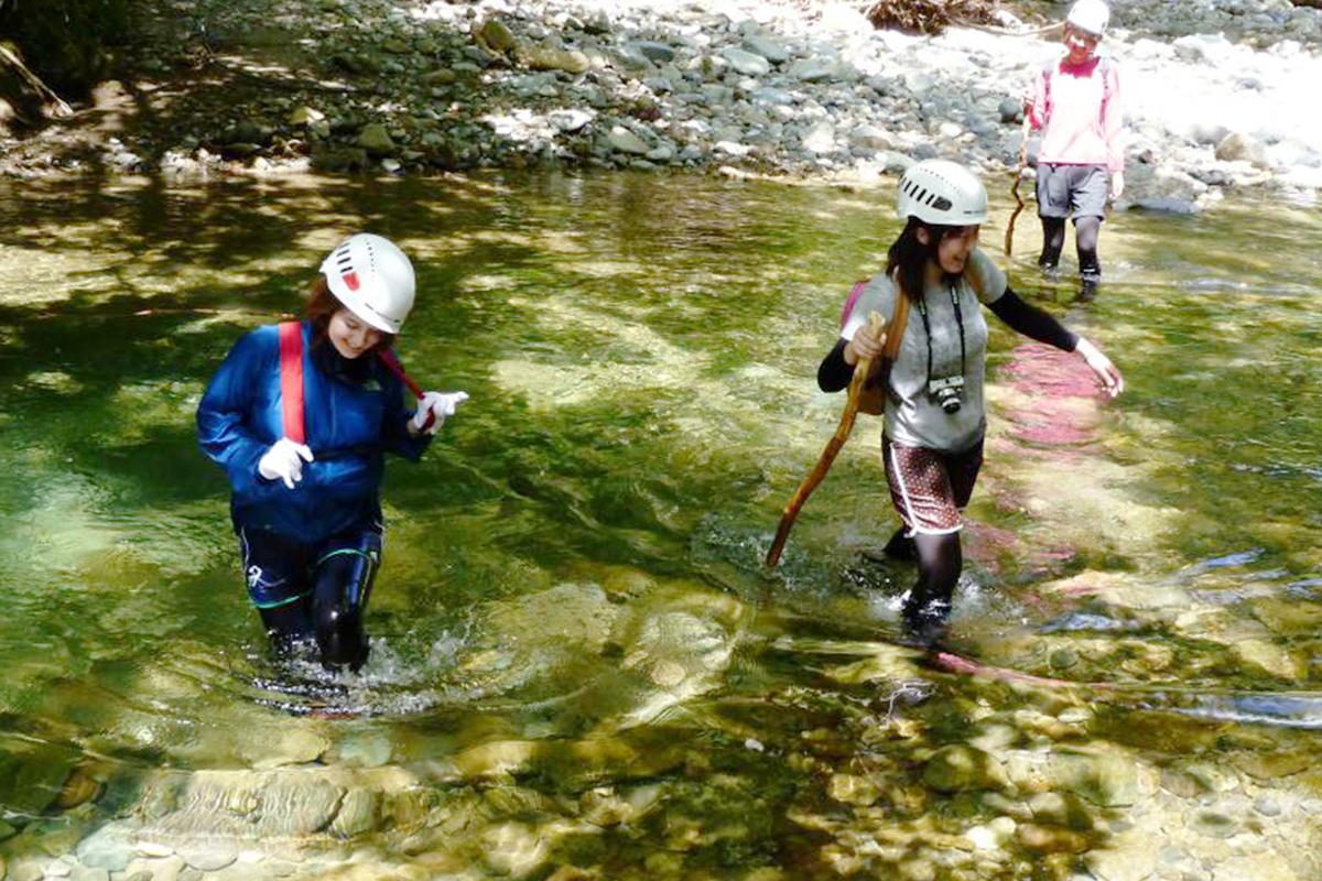 시라카미 산책과 강에서의 물놀이
